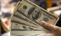 За сбыт фальшивых долларов осудили жительницу Мангистау