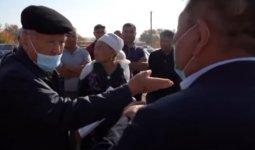 Сельчане устроили скандал в Туркестанской области