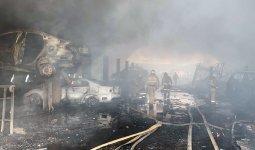 12 автомобилей сгорели при пожаре на СТО в Алматы