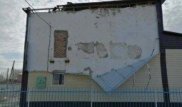 Крышу дома культуры сорвало ураганом в ВКО