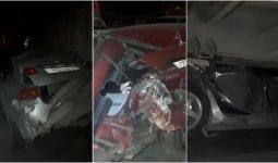 Чудом остались живы: КамАЗ подмял под себя автомобили в Шымкенте