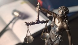 Суд Люксембурга приостановил дело Стати против Казахстана