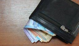 Половина работающих казахстанцев зарабатывает меньше 142,3 тысячи тенге в месяц