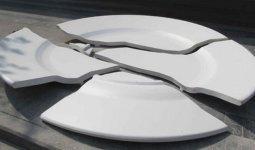 48-летняя женщина воткнула осколок тарелки в ухажера в Талдыкоргане
