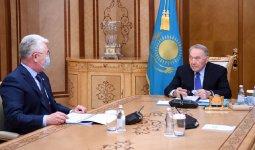 Нурсултана Назарбаева проинформировали о развитии промышленности в Казахстане