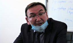 «Брал в конверте подарок, но не взятку»: в Уральске судят экс-главу облздрава
