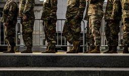 Трансгендерам разрешили служить в США