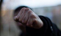 Жена влезла в драку и спасла мужа от хулиганов в Павлодарской области