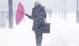 Метель и гололед: штормовое предупреждение объявлено в восьми регионах