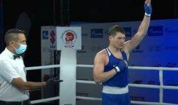 Казахстанский боксер одержал уверенную победу над чемпионом Италии