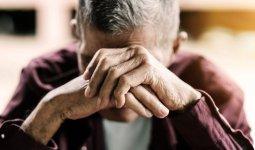 83-летний пенсионер выбросился с балкона многоэтажки в Уральске