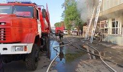 Из горящего здания в Алматы спасли семерых