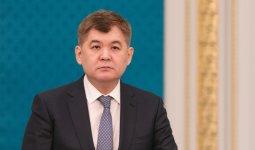 Экс-министр Биртанов не считает Берика Шарипа виновным в срыве поставок защитных костюмов