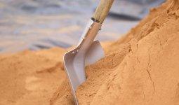 19-летнего парня засыпало песком в Павлодарской области, он погиб