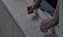 «Доведение до самоубийства»: парень выпрыгнул с 16-го этажа многоэтажки в Семее