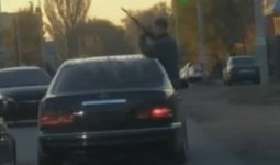 Стрелявший посреди дороги в Каскелене задержан