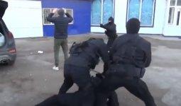 Спецоперацию по задержанию вымогателей провели в Уральске
