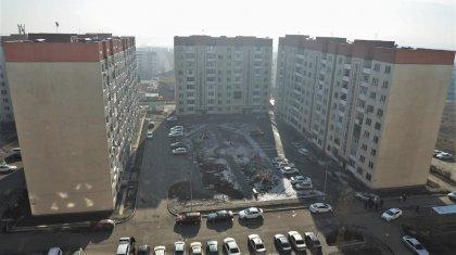 Подрядчики приступили к укреплению накренившегося дома в Алматы