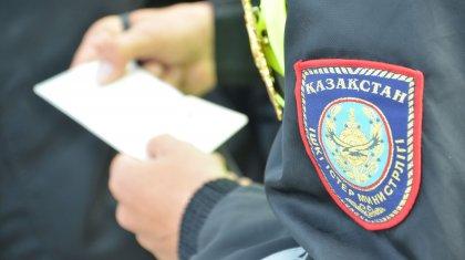 Кто из госслужащих чаще всего и за что берет взятки в Казахстане