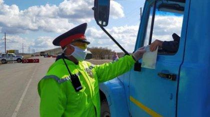 Казахстанским водителям разрешат иметь при себе только удостоверение личности