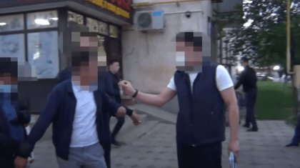 Борца с экономическими преступлениями задержали в Шымкенте