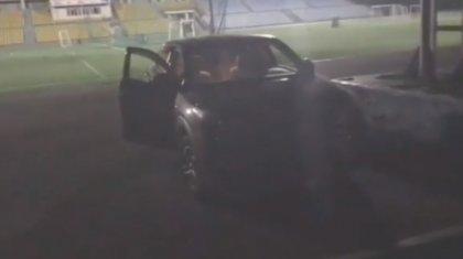 «Пятилетний мальчик был в метре от гибели»: пьяный водитель заехал на стадион и гонялся за людьми в Алматы