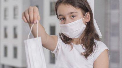 Родители школьников пожаловались на отсутствие детских масок в аптеках Актау