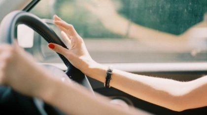 Женщина угнала автомобиль в Караганде