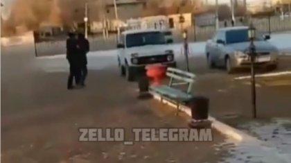 Видео с пьяным госслужащим из Актюбинской области появилось в Сети
