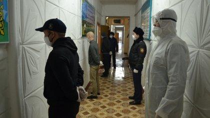 «Под конвоем»: как голосуют арестованные, рассказали в ДУИС