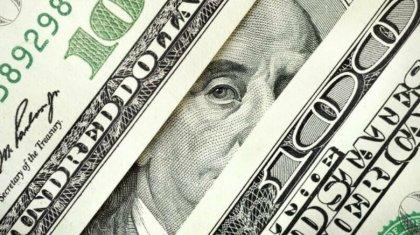Для стабилизации курса тенге в 2020 году Нацбанк направил на валютный рынок $1,9 млрд