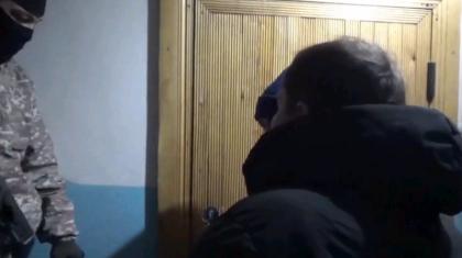 Полиция и спецназ задержали находившегося в межгосударственном розыске преступника в Актобе