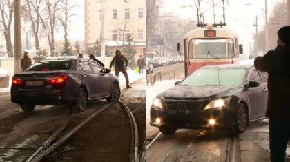 Казахстанского дипломата накажут за нарушение ПДД в Киеве