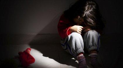 Отчим развращал падчерицу: директора школы арестовали в ЗКО за недонесение