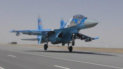 «Впервые в истории Вооруженных сил». Стали известны подробности посадки военного самолета на трассу
