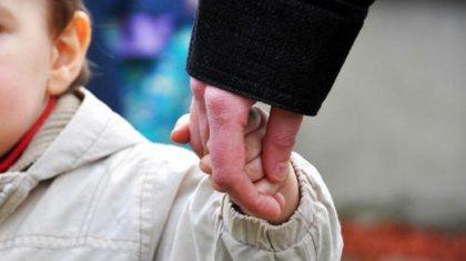 Женщина забрала из садика двухлетнего мальчика и скрылась в Шымкенте
