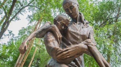 «Дипломатический скандал»: бурную реакцию российских СМИ на фильм о голодоморе обсуждает Казнет