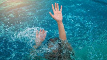Беспечность родителей едва не привела к гибели девочки на Каспие
