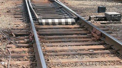 Обе ноги отрезало мужчине грузовым поездом в Уральске