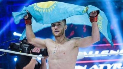 Казахстанец безоговорочно победил в бою на турнире UFC