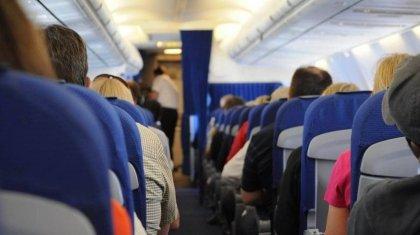 «Горит и орет». Из-за ребенка с высокой температурой был задержан рейс из Антальи в Нур-Султан
