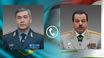Министры обороны Казахстана и Таджикистана провели переговоры