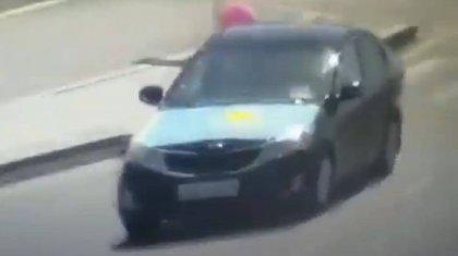 За прикрепленный к автомобилю флаг Казахстана наказали жителя Атырау