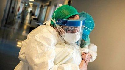 «Нагрузка, если честно, колоссальная»: будни врачей, находящихся на передовой борьбы с COVID-19
