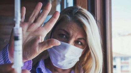 «Теперь это пандемия невакцинированных»: профессор высказался о новых рисках COVID-19