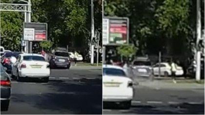 Автомобиль выехал на тротуар и сбил прохожих в Алматы