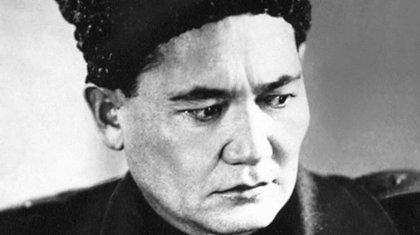 Переименование в честь Бауыржана Момышулы поддержали депутаты Алматы