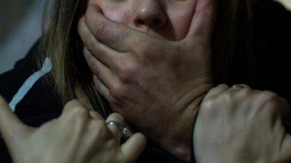 Подросток избил и изнасиловал девушку в такси на глазах у водителя в Алматинской области