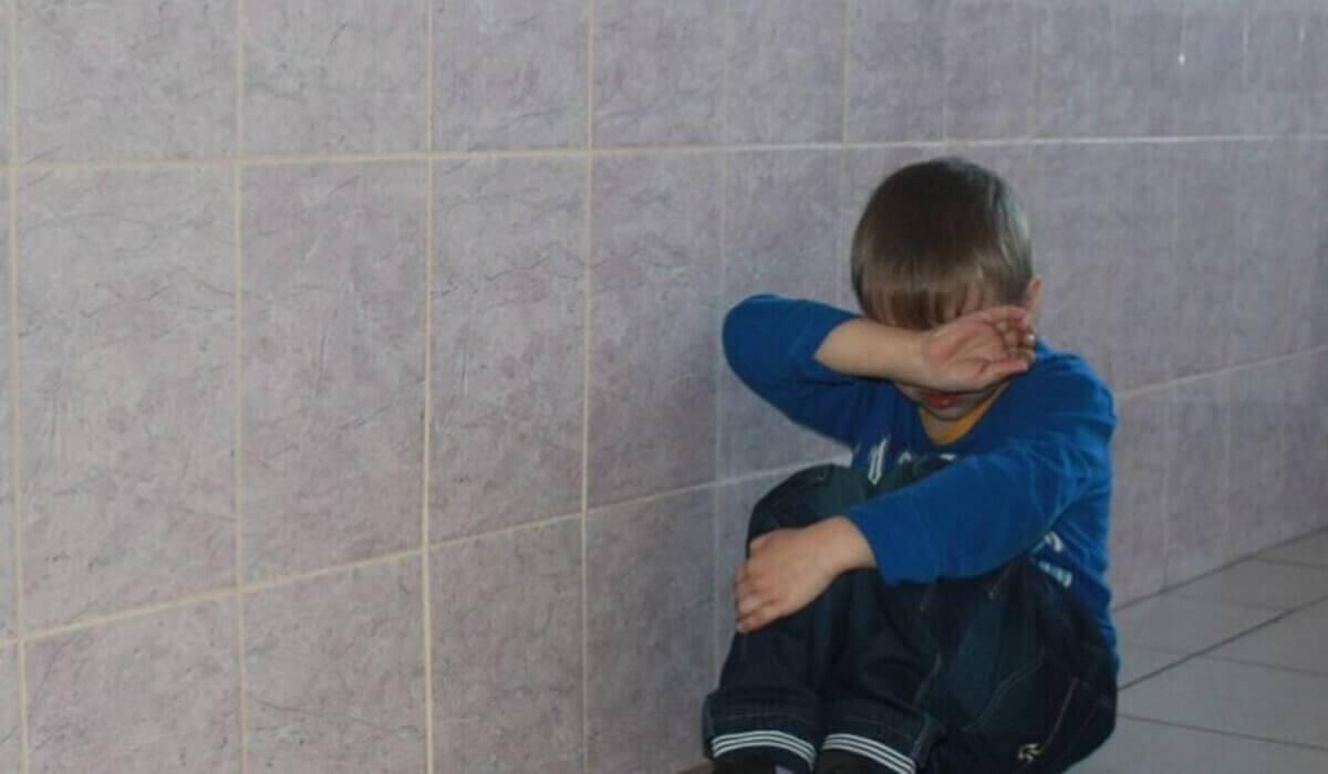 Информацию об изнасиловании 7-летнего мальчика в школьном туалете в Актобе прокомментировали в Минобразования